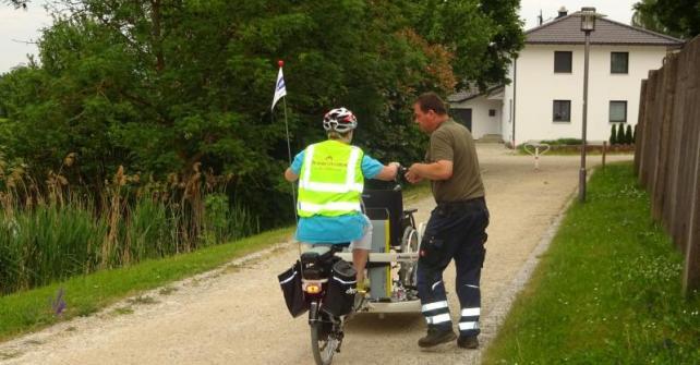 Rollstuhl-Fahrrad wieder aktiviert