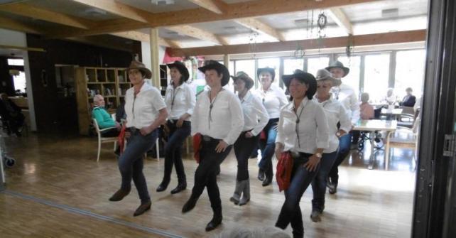 Frühlingsfest mit Tanzeinlage der