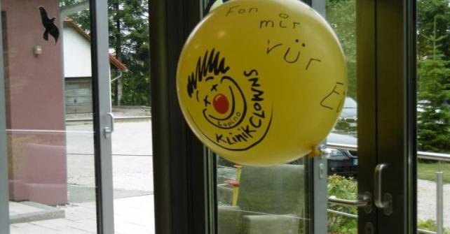Klinik-Clown Lupino zu Besuch